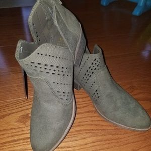 SM New York ankle boots